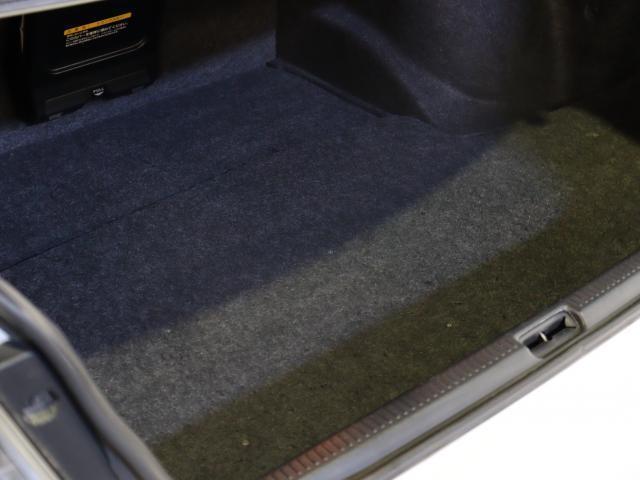 RS200 Zエディション 後期型 タイベル交換済 ナビ 地デジ エアロ 社外車高調 TRDマフラー 純正AW フォグ キーレス WSRS ETC HID(11枚目)