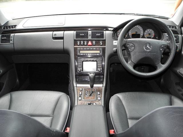 E320ステーションワゴン アバンギャルド後期モデル本革SR(10枚目)