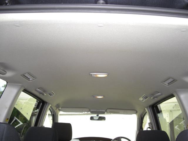 両側パワースライドドア・HDDナビ・バックカメラ・ETC18インチアルミ・キセノンヘッドライト