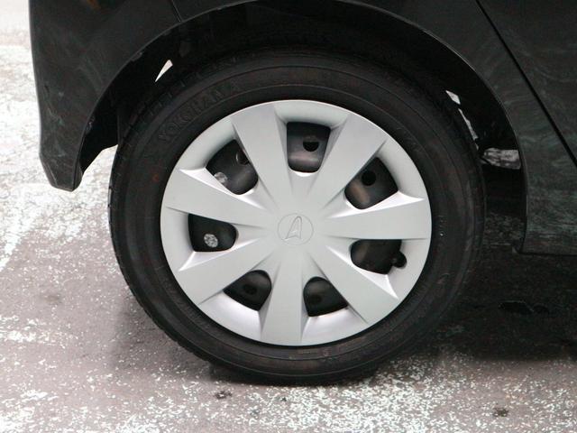 155/65R14 純正ホイール付きです。タイヤに目立ったひび割れ等はございません。