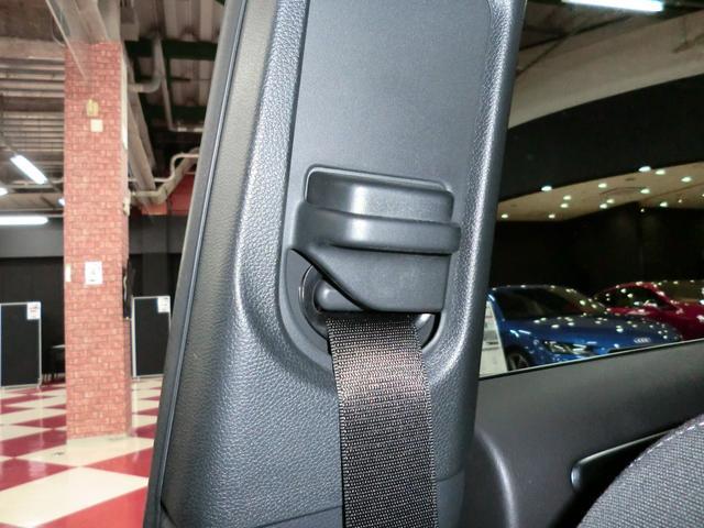 ☆アジャスタブルシートベルト装備ですので、お好みの高さにシートベルトの位置を調整する事が出来ますよ^^