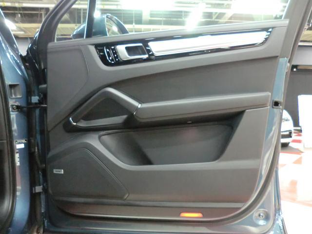 「ポルシェ」「カイエン」「SUV・クロカン」「京都府」の中古車37