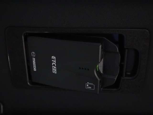 2.2 XD Lパッケージ ディーゼルターボ 4WD マツダ認定中古車 サポカー 衝突被害軽減ブレーキ マツダコネクトメモリーナビ 360度カメラ リアシートモニター LEDライト 3列シート 6人乗り(9枚目)