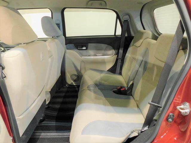 後席の乗車スペースもしっかり確保されています