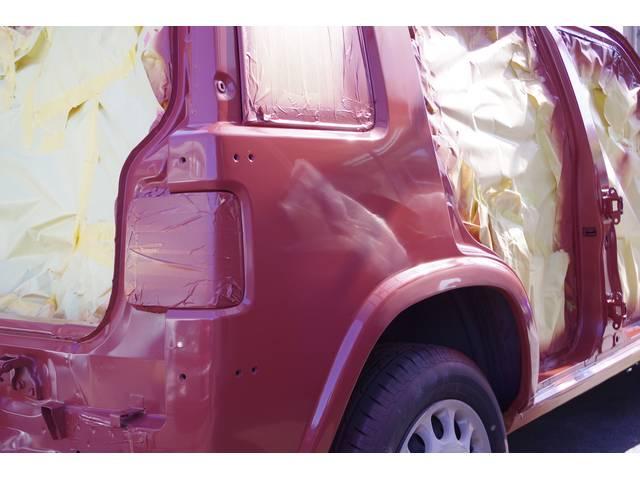 オプションでラシーンのオールペイントなども施工可能です。当店は、多数実績が有ります。純正カラー~お客様だけの完全オリジナルカラーまで製作可能です。カラー見本も国産~外車まで多数取り揃えております。