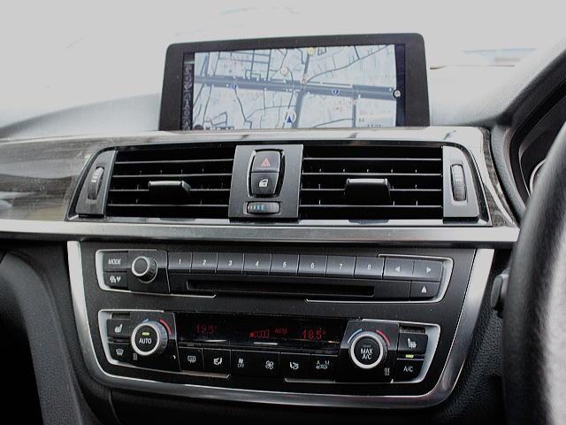 画像がきれいなニューiドライブのモニター。この車にはフルセグTVチューナーが付けられております(お買い得装備!!)