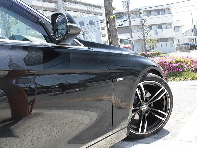 人気カラーの「ブラックサファイア」BMWのブラックボディーカラーです