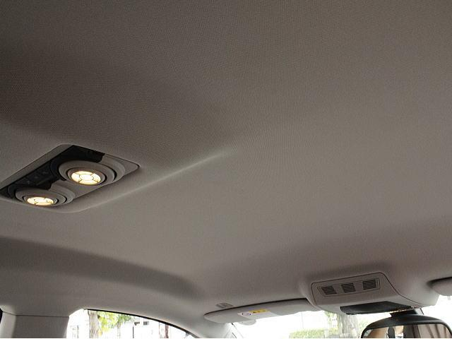 車両程度が現われる天井もきれいです、嫌な臭いも無しです