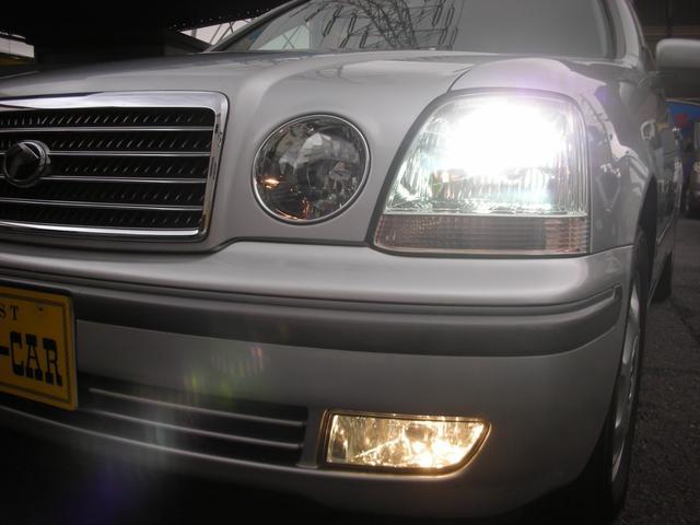 夜間の運転をしっかりサポートしてくれるHIDライトとフォグランプ!