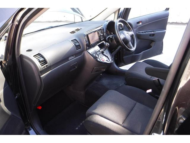 内外装とても綺麗です。使い勝手が良く、前席も広々ですので運転もしやすくなっております!
