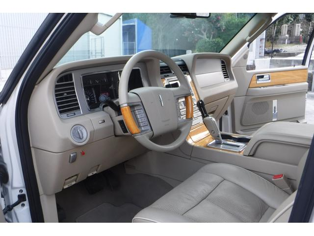 「リンカーン」「リンカーン ナビゲーター」「SUV・クロカン」「大阪府」の中古車38