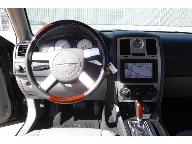「クライスラー」「クライスラー300C」「セダン」「大阪府」の中古車16