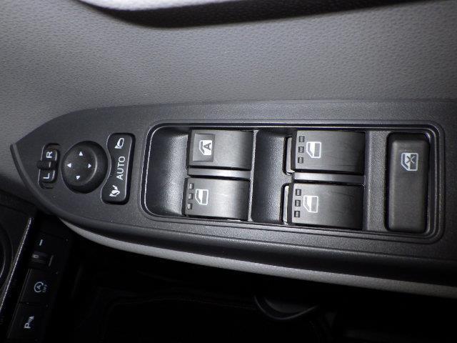 Xセレクション 片側パワースライドドア スマートキー キーフリー アイドリングストップ 盗難防止システム ABS エマージェンシーブレーキ LEDヘッド パワーステアリング(13枚目)