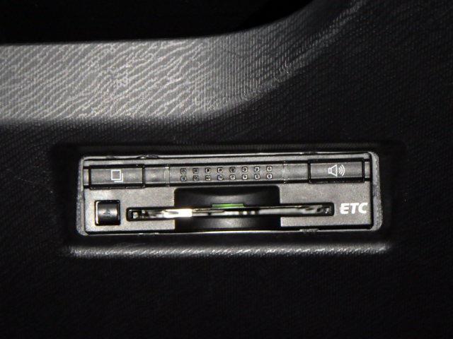 S キーレス付 ナビ/TV VSC バックC LEDヘッド ETC装備 パワーウインドウ CDオーディオ イモビ スマキー DVD AC AUX接続 パワステ メモリナビ ABS エアバック ワンオーナ-(15枚目)