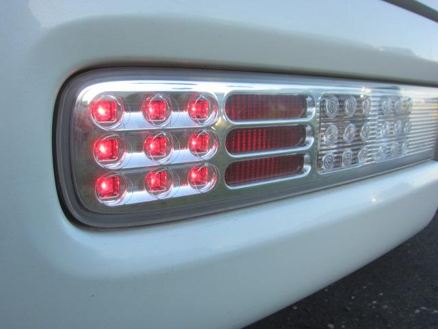 14S FOUR 4WD タイミングチェーン DVDナビ スマートキー HIDヘッドライト(25枚目)