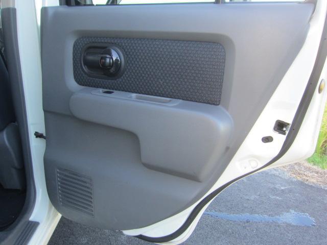 14S FOUR 4WD タイミングチェーン DVDナビ スマートキー HIDヘッドライト(31枚目)