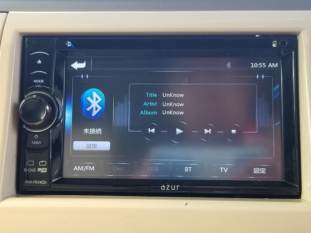 フルセグTVが見れるモニター付きCDステレオです♪