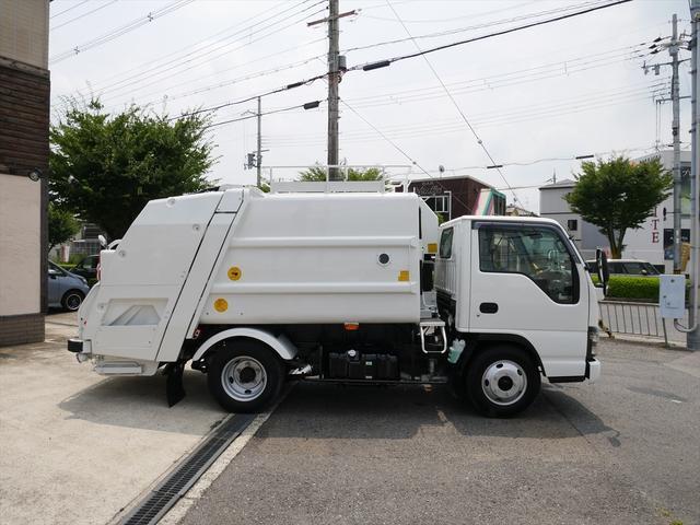 プレス式パッカー車 4.2立米 最大積載2000kg(4枚目)