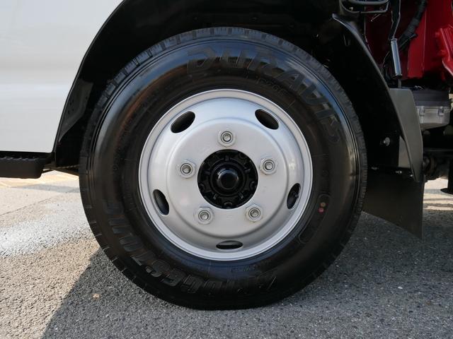 フロントタイヤ 205/85R16
