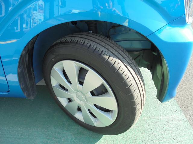 タイヤハウス内までとてもキレイです!タイヤ溝もタップリ残っています!