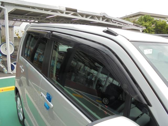 雨の日に便利なドアバイザー装着車☆