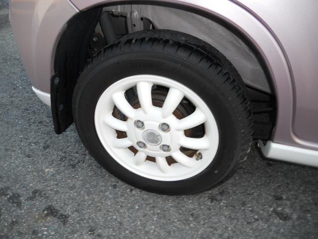 綺麗な純正ホワイトアルミ!タイヤもばっちり!