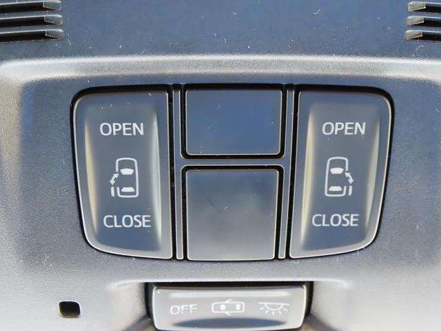 Z ワンオーナー車 トヨタ安全装備搭載 純正SDナビ(12枚目)