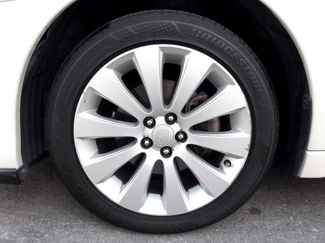 純正17インチAW■ブリジストンREGNOタイヤ装着■タイヤ残り溝もたっぷりあります■社外AWインチアップやスタッドレスタイヤのご用命もお気軽にご相談下さい■