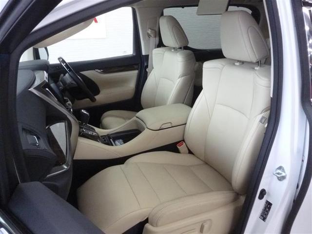長時間の移動でも、疲れにくい快適なシートや広々とした空間、快適です!!
