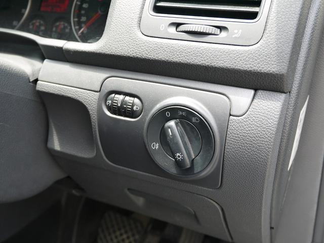 フォルクスワーゲン VW ゴルフヴァリアント TSI トレンドライン HDDナビ Bカメラ