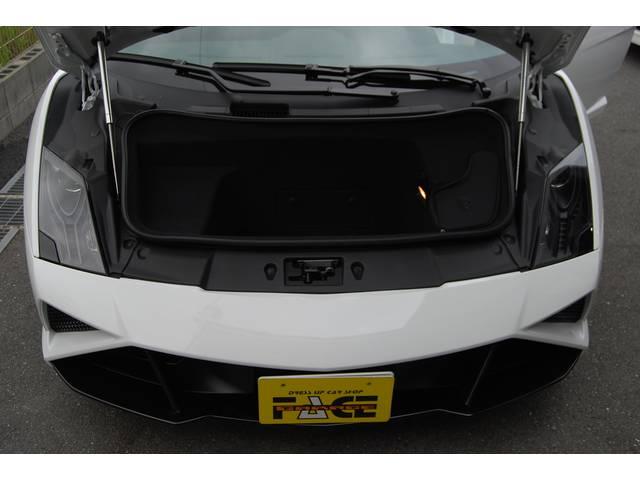 ランボルギーニ ランボルギーニ ガヤルド・スパイダー LP560-4 カーボンパーツ HDD 地デジ