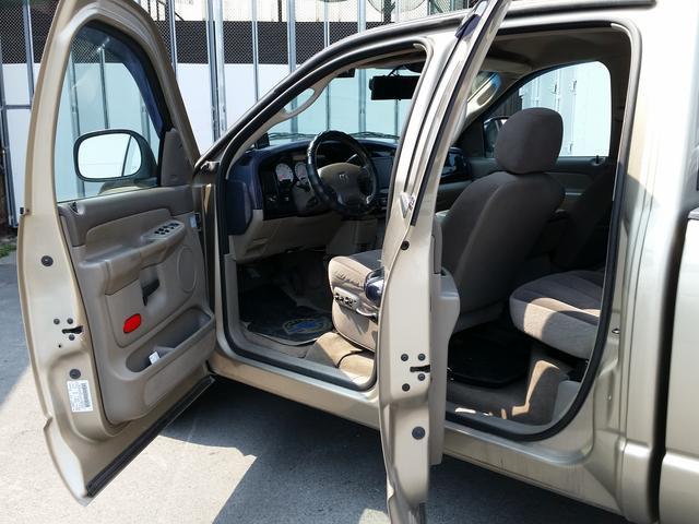 「ダッジ」「ラムバン」「SUV・クロカン」「奈良県」の中古車33