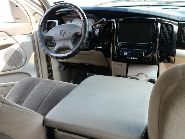 「ダッジ」「ラムバン」「SUV・クロカン」「奈良県」の中古車44