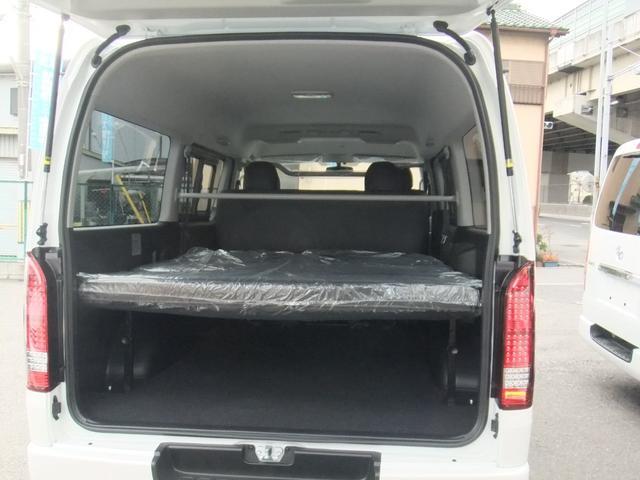 トヨタ ハイエースバン NEW5型 地デジナビ ベッドキット タイヤ/ホイール