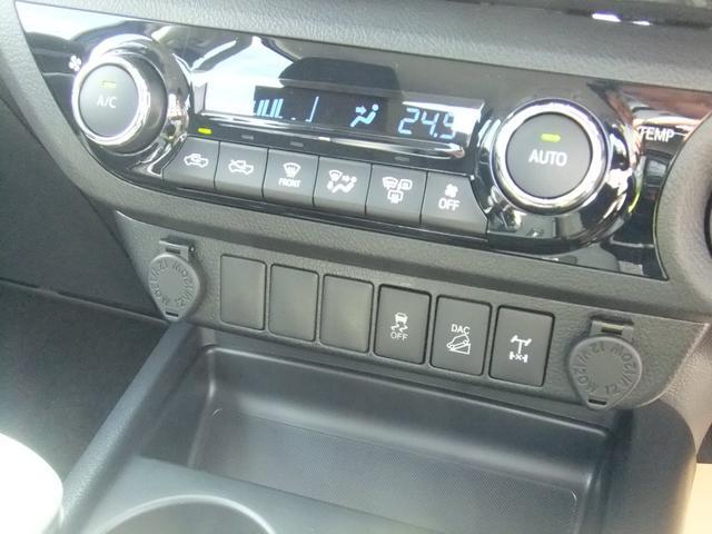 「トヨタ」「ハイラックス」「SUV・クロカン」「大阪府」の中古車12