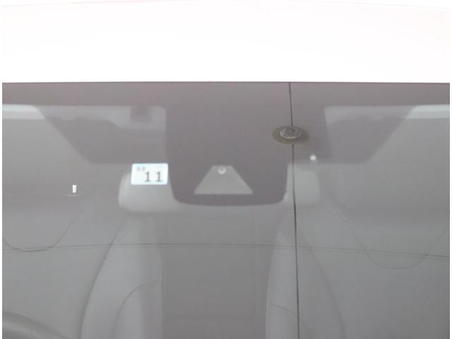 「トヨタ」「プリウス」「セダン」「大阪府」の中古車18