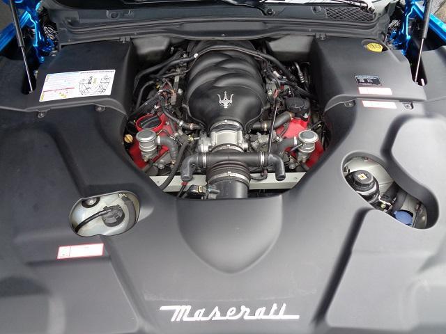 マセラティ マセラティ グラントゥーリズモ S MCシフト D車 SVRデモカー