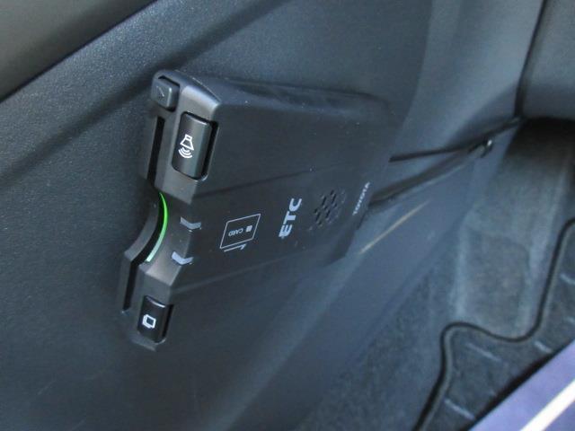 トヨタ オーリス 150X Mパッケージ DVDナビ