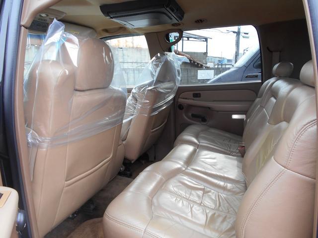 「シボレー」「シボレー サバーバン」「SUV・クロカン」「大阪府」の中古車7
