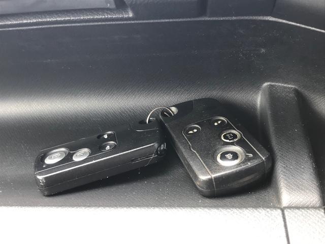 S 8人乗り 両側電動スライドドア スマートキー HDDインターナビ TV バックカメラ ETC ウォークスルー 純正16インチアルミホイール(17枚目)