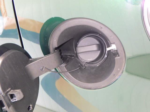モーダ ワンセグ メモリーナビ バックカメラ LEDヘッドランプ ワンオーナー アイドリングストップ(16枚目)