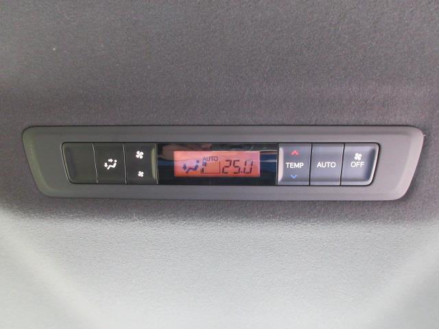 ハイブリッドZS 煌II フルセグ DVD再生 バックカメラ 衝突被害軽減システム ETC 両側電動スライド LEDヘッドランプ ウオークスルー 乗車定員7人 3列シート ワンオーナー フルエアロ 記録簿(9枚目)