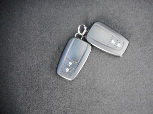 スマトーキーをバッグやポケットに携帯していればキーを取り出さなくても乗り込めるので、重い荷物を持っている時や急いでる時などにとても便利で重宝です。最近のリレーアタックでの盗難には、ご注意ください。