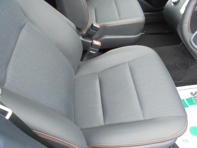 運転する人の体をしっかり支えるシート!疲れないシートで適正な運転姿勢を保てます。安全運転にも繋がりますね。