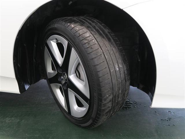 タイヤの残り溝はご覧の通りです♪ タイヤの残量、内装・外装状態等、是非現車確認にお越しくださいませ(^◇^)