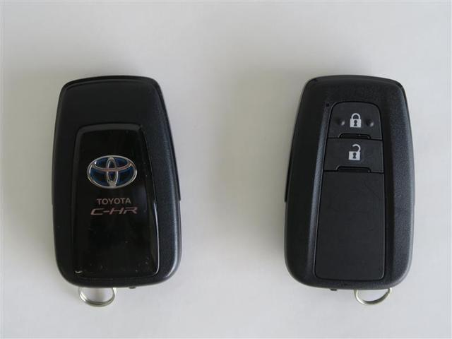 「トヨタ」「C-HR」「SUV・クロカン」「奈良県」の中古車17