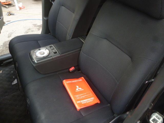 トヨタ bB ZQバージョン9イルミスピーカーHDDナビ