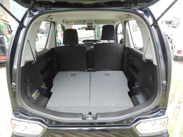 リヤシートはワンタッチでフラットに♪♪荷室側どちらからもワンタッチで折りたためるリヤシートを採用☆軽い力で操作が出来、ほぼフラットな荷室になります☆