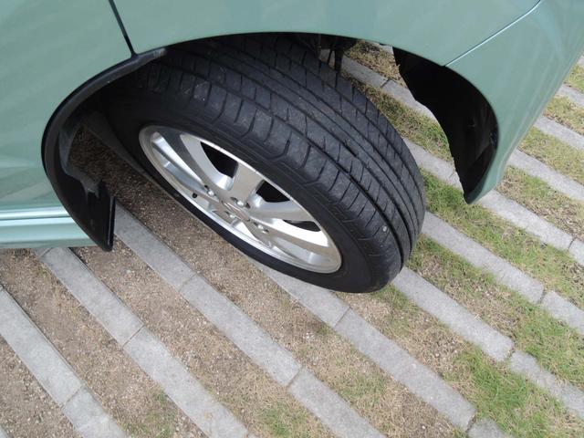 タイヤの溝もしっかり残っていますので、安心して走行可能です。