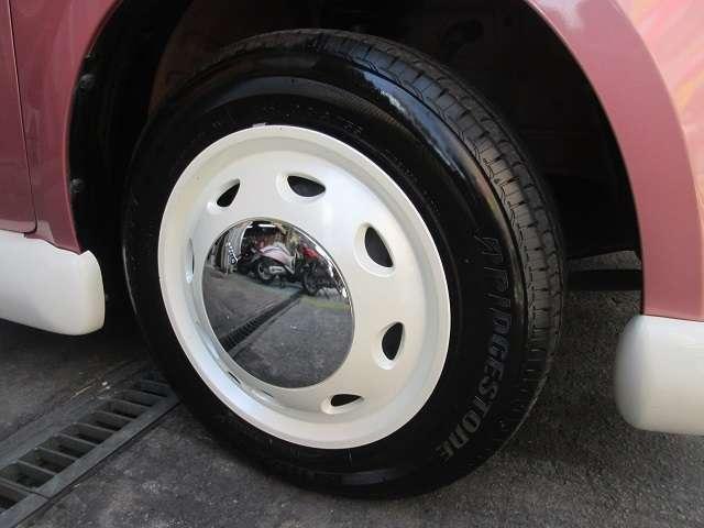 可愛いホイールカバーが付いています!!タイヤは7分山程で充分使用できます。